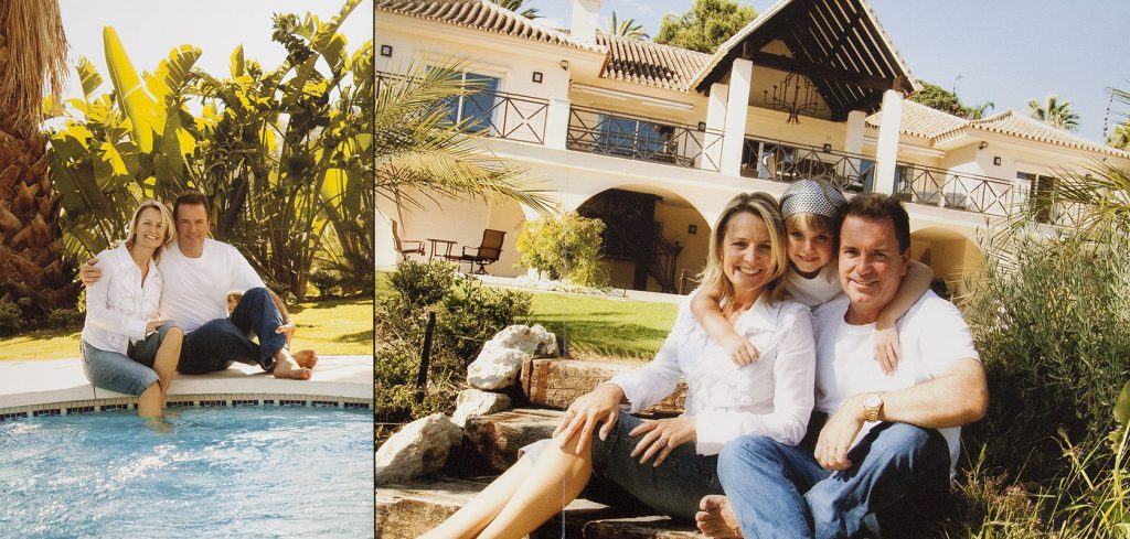 FAMILY PORTRAITS AT HOME – OR SPAIN !